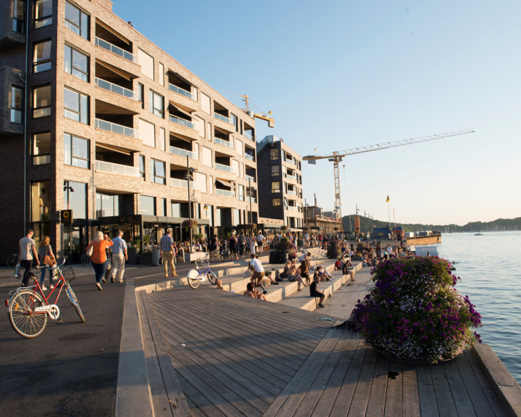 TRANSFORMATION OF THE PORT IN OSLO INTO A NEW ACTIVE REGION